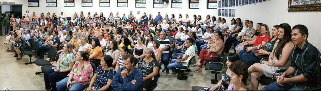 Grande público compareceu à Câmara Municipal de Capinópolis (Foto: Paulo Braga)