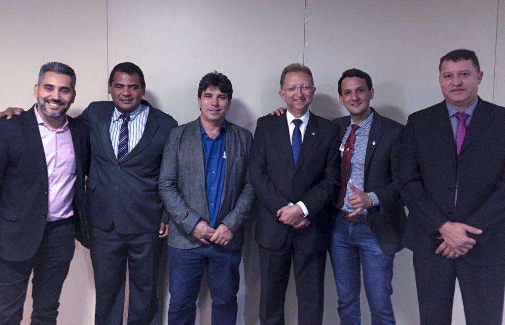(Esq) Jhony,  Ivo Américo, Cleidimar Zanotto, João Campos, Luciano Belchior e Caetano Neto da Luz (Foto: Gabinete/João Campos)