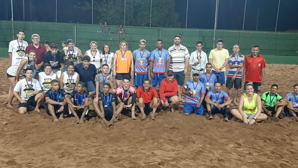 Todos os premiados, autoridades e membros do Conselho do Esporte