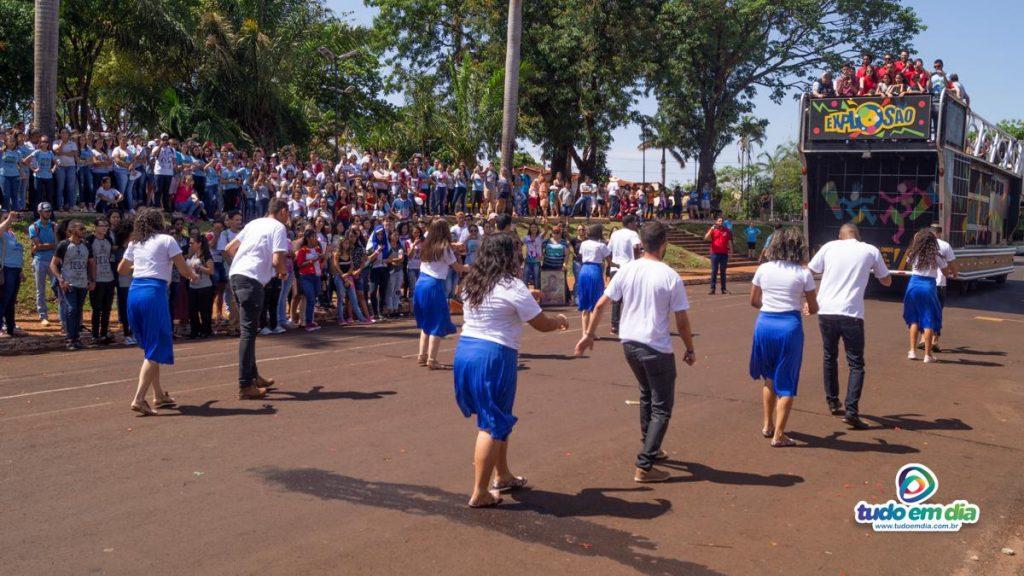 Grupo fez apresentação nas proximidades da Praça João Moreira de Souza (Foto: Paulo Braga)