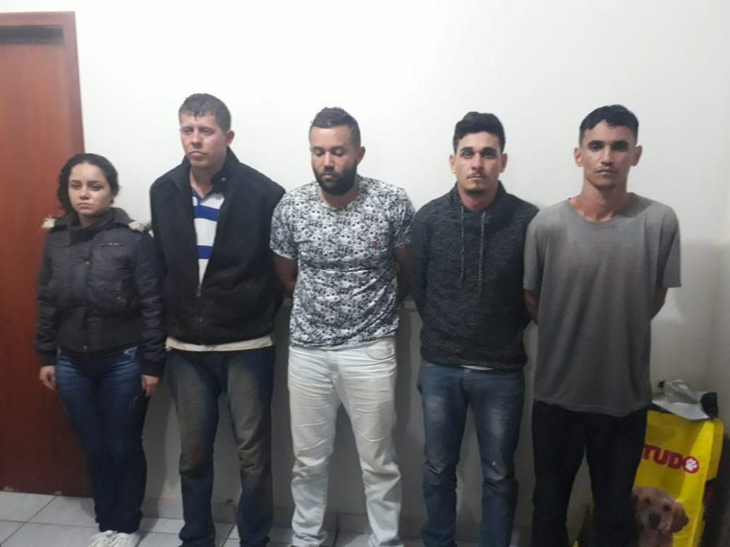 Suspeitos presos (Foto: PMMG/divulgação)