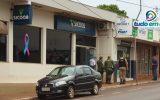 Bandidos invadiram agência bancária e arrombaram o cofre (Foto: Paulo Braga)