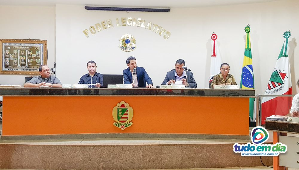 (Esq) Pe. Edivan Queiroz, Caetano Neto da Luz, Luciano Belchior, Ivo Américo e Neide Martins (Foto: Paulo Braga)