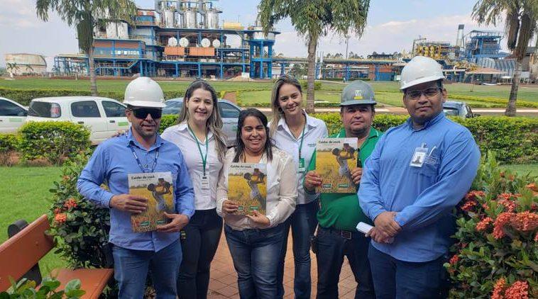 Após firmar parceria com a Unimed, CRV entrega cartões aos colaboradores (Foto: Divulgação)