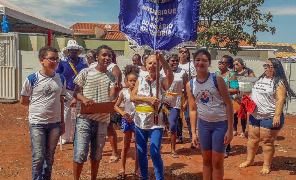 Resgate da tradicional festa de Congada em Canápolis é realizado por alunos (Foto: Casa de Cultura de Canápolis)