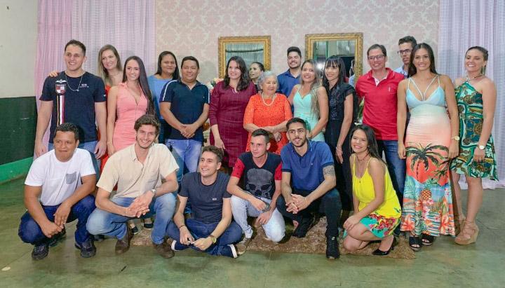 Dona Maria Genita tem 21 netos e 4 bisnetos  (Foto: Arquivo pessoal)