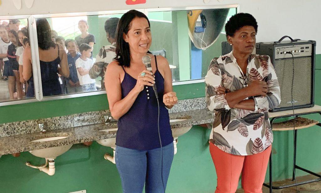 (Esq) Célida Martins e Luzia Teodoro no início do evento (Foto: Divulgação)