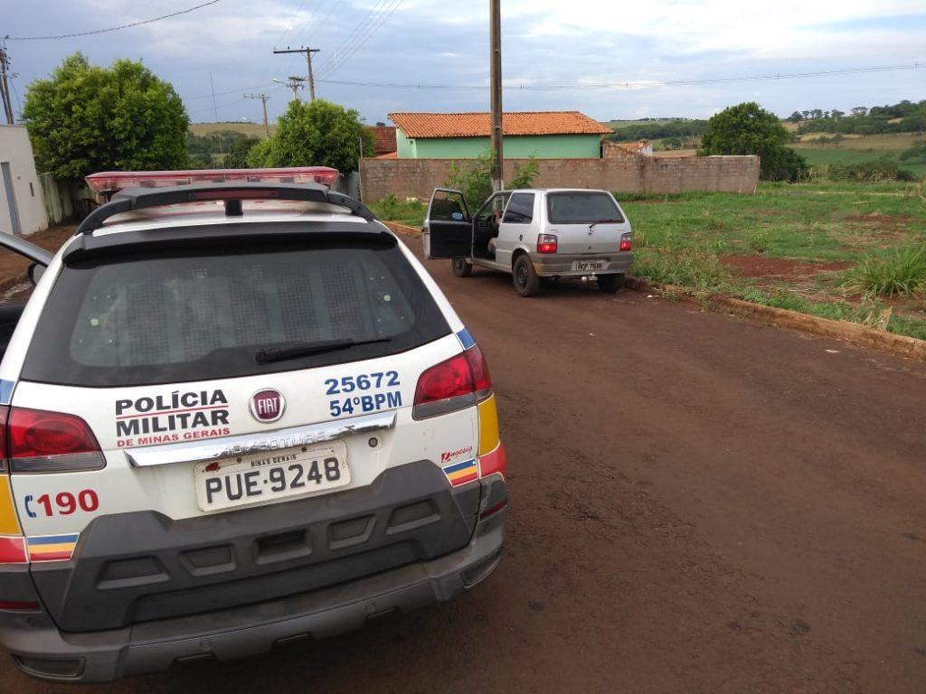 Veículo foi recuperado pela polícia (Foto: PMMG/Divulgação)