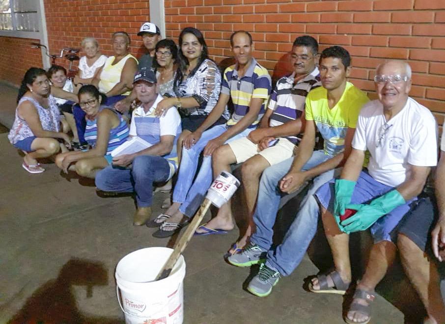 Alunos do EJA durante atividade prática (Foto: Divulgação)