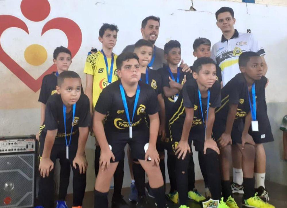 Equipe sub-11 sagrou-se vice-campeã da categoria (Foto: Divulgação)