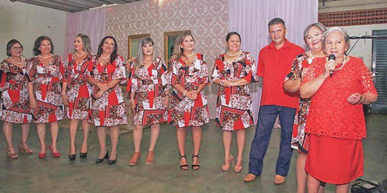 Ilda, Marilda, Jacilda, Maria Aparecida, Eliene, Maria Simone, Valdirene, Wilite, Iracilda e Maria Genita (Foto: Arquivo pessoal)