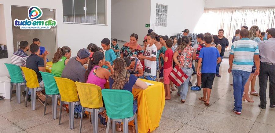 Assim que tomaram conhecimento da importância do projeto, muitos pais fizeram fila para matricular os filhos (Foto: Paulo Braga / Gabriel Kazuto — Tudo Em Dia)