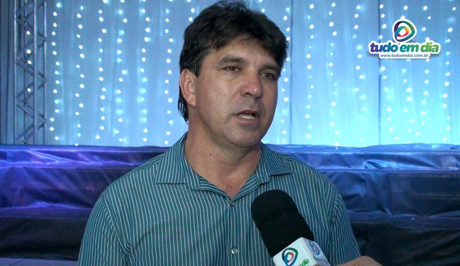Cleidimar Zanotto, prefeito de Capinópolis durante entrevista ao jornalista Paulo Braga, do Tudo Em Dia (Imagem: Gabriel Kazuto / Tudo Em Dia)