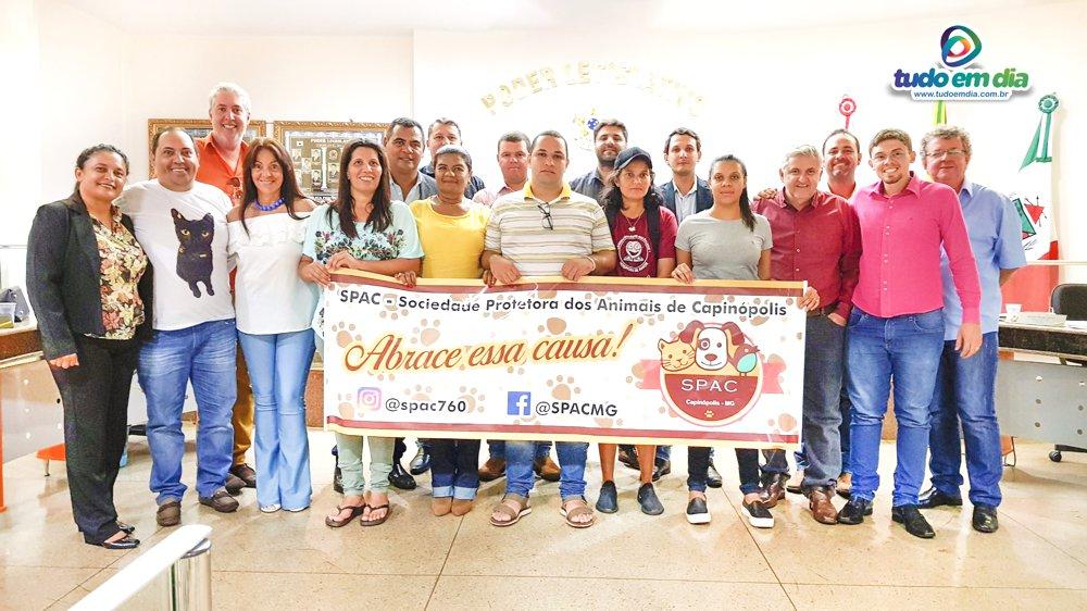 Vereadores da Câmara Municipal de Capinópolis aprovaram o PL 1.817/2019 de forma unânime (Foto: Paulo Braga)