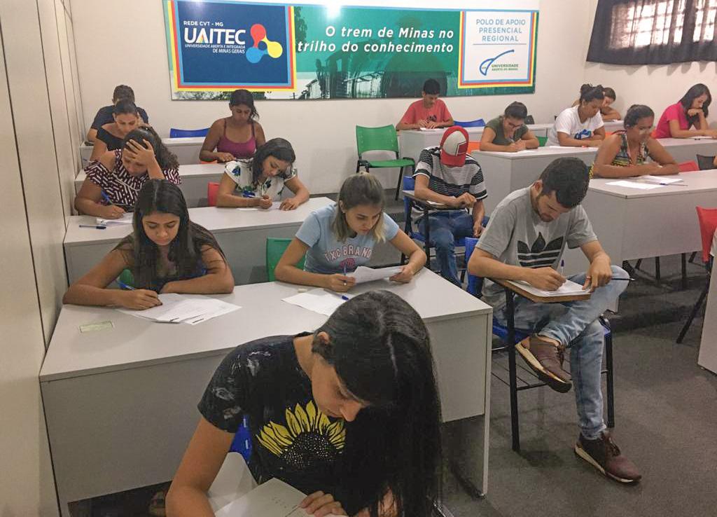 Cerca de 80 jovens foram pré-selecionados para participarem das avaliações (Foto: Divulgação)