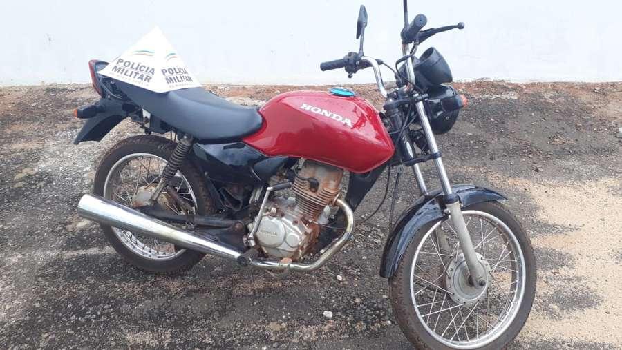Motocicleta foi recuperada pela PM | Foto: PMMG/Divulgação
