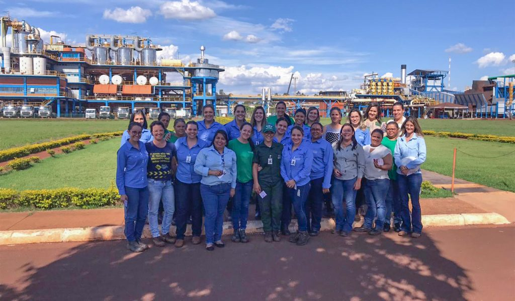 Colaboradoras da indústria e administrativo (Foto: Divulgação)
