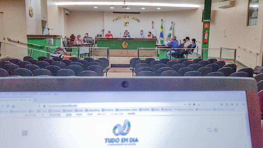 Cobertura do Tudo Em Dia durante a sessão ordinária da Câmara Municipal de Capinópolis | Foto: Gabriel Kazuto/Tudo Em Dia