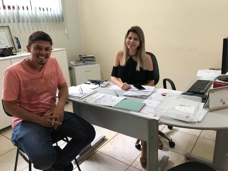 Daniel França e a Secretária de Saúde de Capinópolis, Sandra Barbosa | Foto: Divulgação