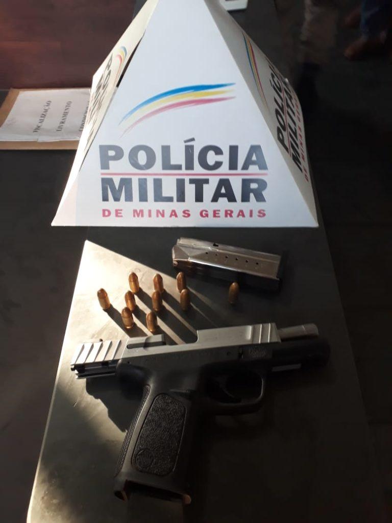 Pistola apreendida   Foto: PMMG/Divulgação