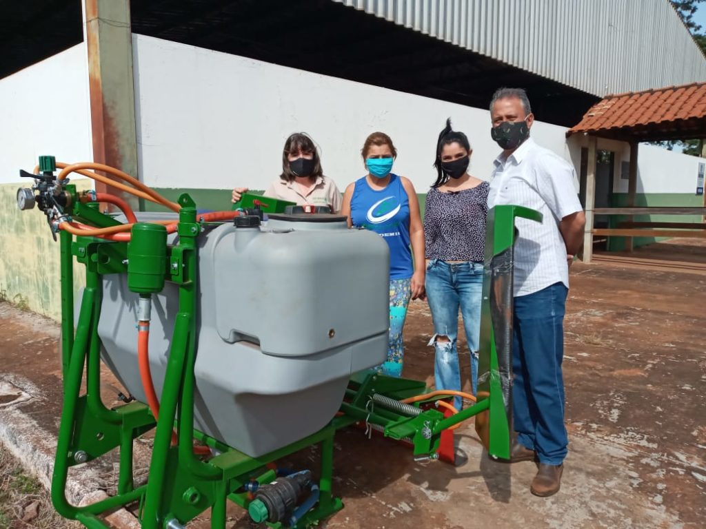 Dra. Waldeny - Emater, Ieda Zanotto, secretária de governo, Leticia e Dr. Francisco Júnior, da Secretaria de Agricultura