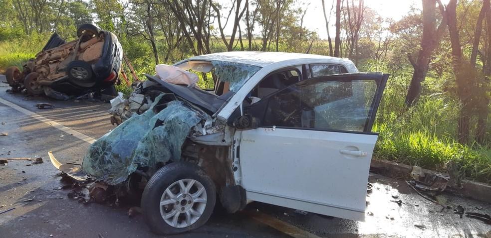 Acidente na BR-365 próximo a trevo em Coromandel, entre Patos de Minas e Patrocínio — Foto: PRF/Divulgação