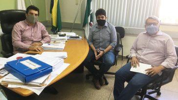 (Esq) Prefeito Cleidimar Zanotto, deputado Zé Vitor e o vice-prefeito de Capinópolis, Jaisson Souza (Foto: Divulgação)