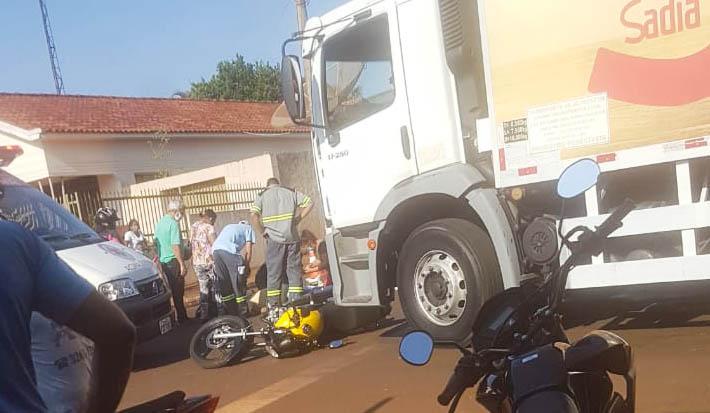 Condutor foi socorrido pelo SAMU | Foto: Reprodução