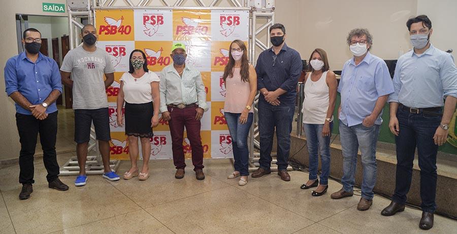Convenção do PTB. O partido político também apoia a reeleição de Cleidimar Zanotto ao cargo de prefeito de Capinópolis