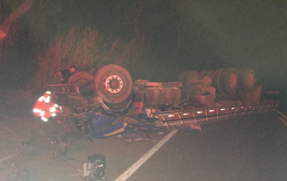 Caminhão ficou destruído | Foto: Reprodução