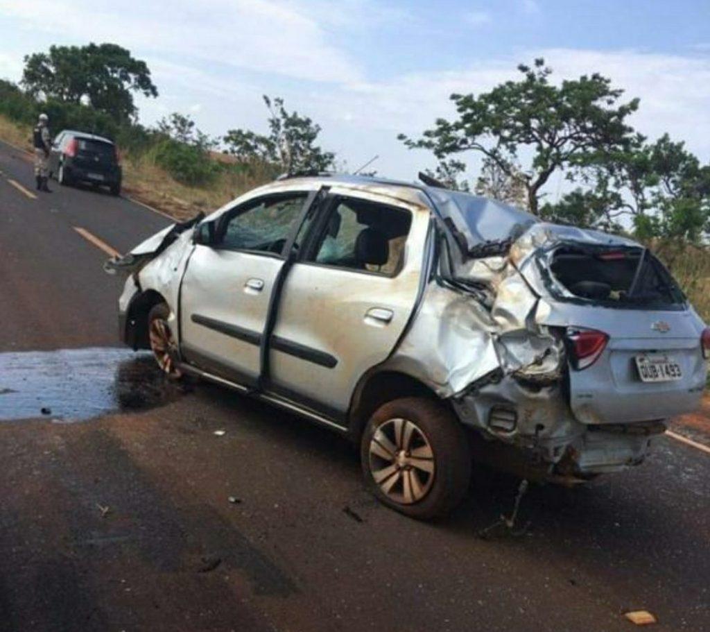 Veículo ficou totalmente destruído | Foto: Divulgação