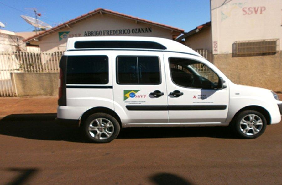 Veículo adaptado para transporte de pacientes do lar   Foto: Abrigo Frederico Ozanan