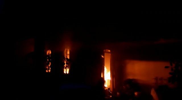 Momento do incêndio na residência | Foto: Reprodução de vídeo